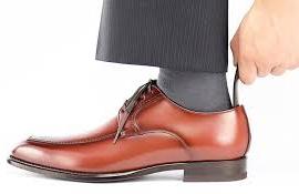 父の日 革製品 外出時にもスマートに靴が履ける大人のかっこよさ