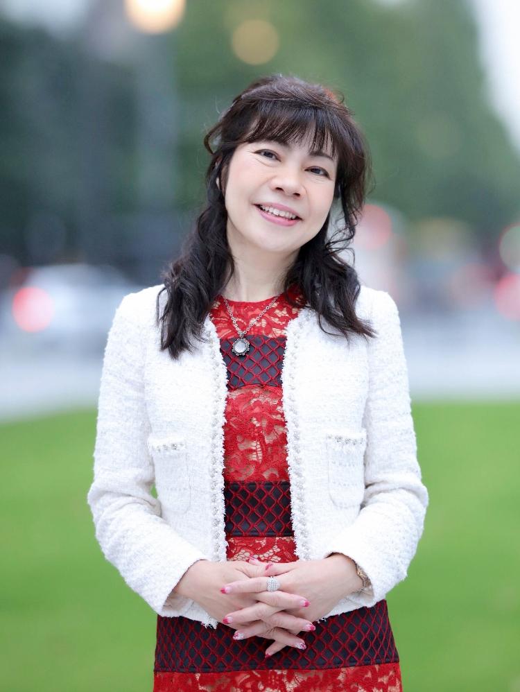 ドリームフューチャー(株)代表取締役 浅野 美佐子