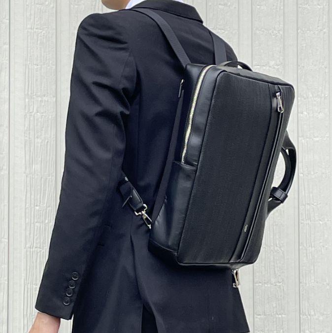 キプリスの3wayビジネスバッグ スマートなサイズ感