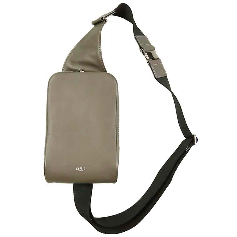 革小物・革財布のCYPRIS リブレシリーズのボディバッグ