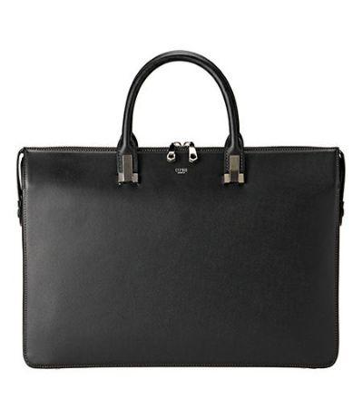 ビジネスバッグの定番「ブリーフケース」